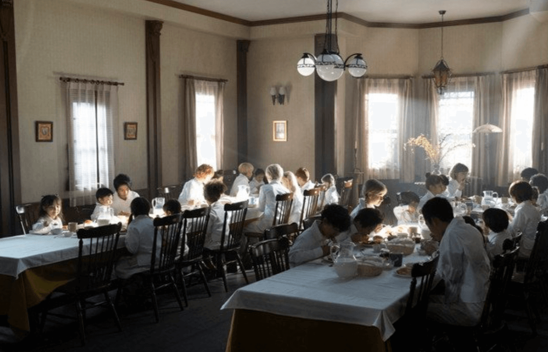 約束のネバーランド 実写化 映画 食堂